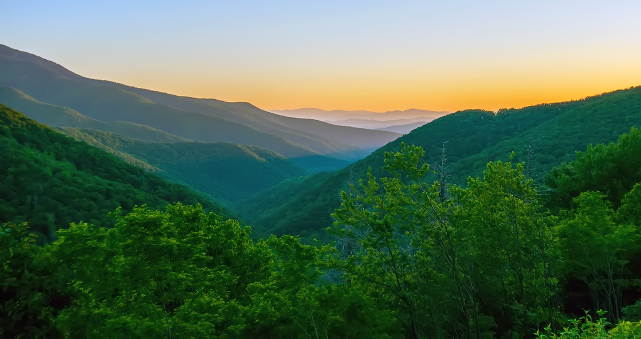 sunrise in the blue ridge mountains